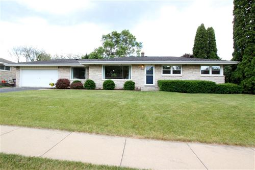 Photo of 4231 W Cold Spring Rd, Greenfield, WI 53221 (MLS # 1695703)