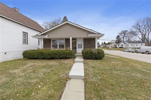 Photo of 1500 17th Ave, South Milwaukee, WI 53172 (MLS # 1671709)