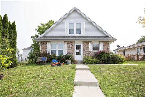Photo of 1013 Davis Ave, South Milwaukee, WI 53172 (MLS # 1753711)