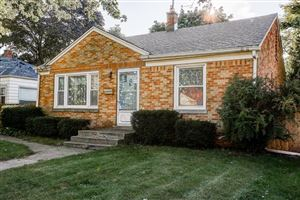 Photo of 4877 N Iroquois Ave, Glendale, WI 53217 (MLS # 1658713)