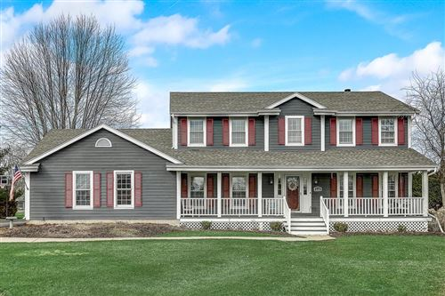 Photo of 2153 Hillcrest Dr, Delafield, WI 53018 (MLS # 1682721)