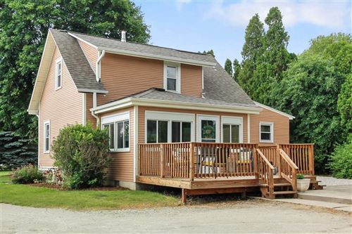 Photo of 4860 S 124th St, Greenfield, WI 53228 (MLS # 1695722)