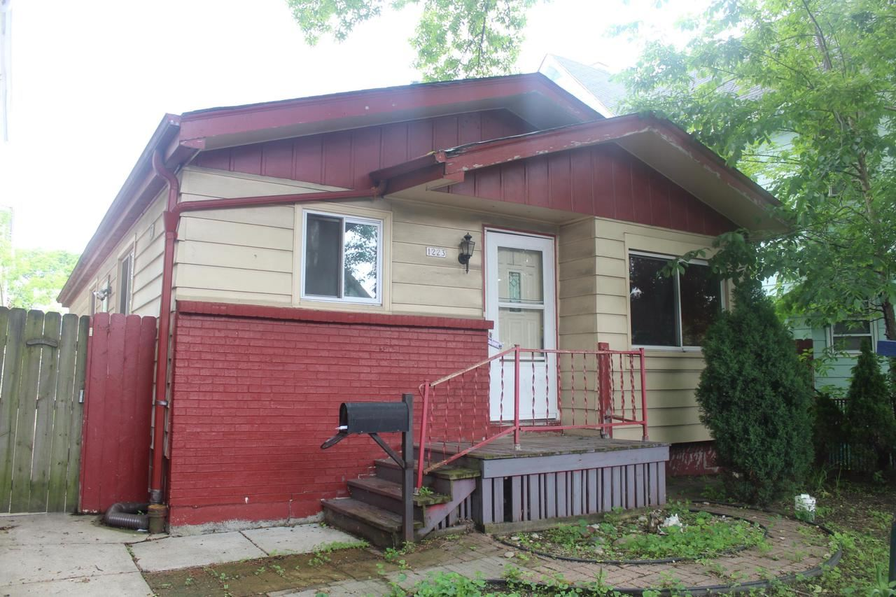 1223 S 20th St, Milwaukee, WI 53204 - MLS#: 1641722