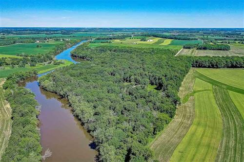 Photo of W6681 N Wollin Rd, Johnson Creek, WI 53038 (MLS # 1876724)