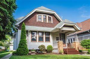 Photo of 3921 N Farwell Ave, Shorewood, WI 53211 (MLS # 1651725)