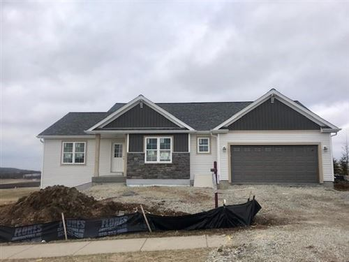 Photo of 420 Saratoga Dr, Johnson Creek, WI 53038 (MLS # 1682725)