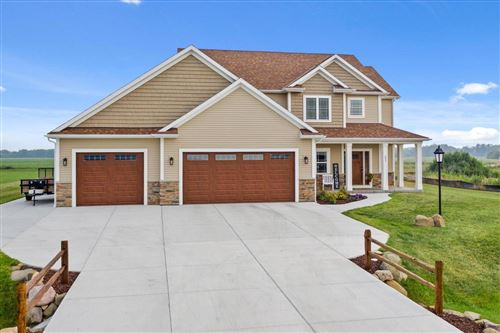 Photo of 805 Westwind Dr, Eagle, WI 53119 (MLS # 1753729)