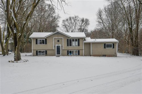 Photo of N1024 Old 26 Rd, Fort Atkinson, WI 53538 (MLS # 1670730)