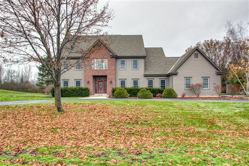 Photo of 4344 W Madero Dr, Mequon, WI 53092 (MLS # 1668731)