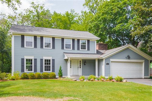 Photo of 11301 N Parkview Dr, Mequon, WI 53092 (MLS # 1702731)