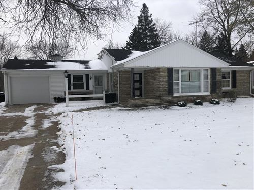 Photo of 609 College Ave, South Milwaukee, WI 53172 (MLS # 1667732)