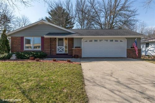 Photo of 511 Gould St, Beaver Dam, WI 53916 (MLS # 1683732)