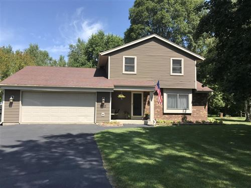 Photo of 530 Partridge Ct, Pewaukee, WI 53072 (MLS # 1661734)