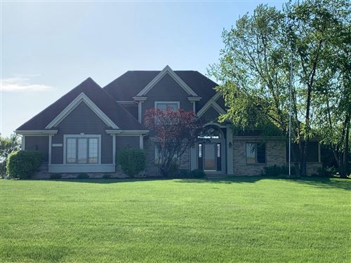 Photo of N55W27222 James Dr, Pewaukee, WI 53072 (MLS # 1694735)