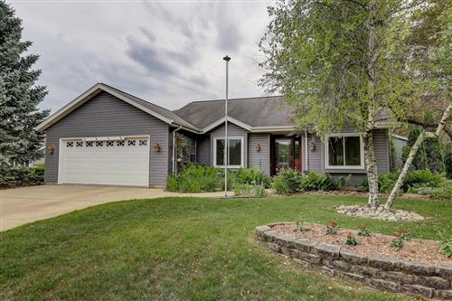 Photo of 701 E Bridlewood Ln, Oak Creek, WI 53154 (MLS # 1695736)