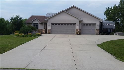 Photo of N1693 Fairview Ln, Fort Atkinson, WI 53538 (MLS # 1875738)