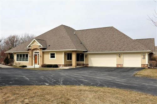 Photo of 8009 S Susanna Ct, Franklin, WI 53132 (MLS # 1682740)