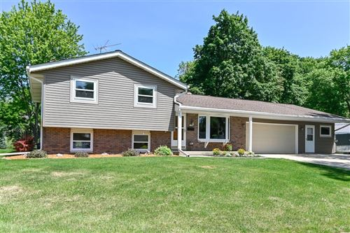 Photo of 1634 Park Ave, West Bend, WI 53090 (MLS # 1696742)