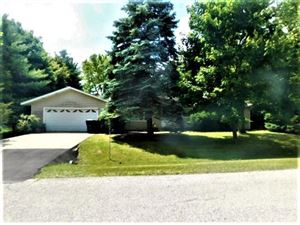 Photo of 627 Lincoln Dr, Twin Lakes, WI 53181 (MLS # 1656745)