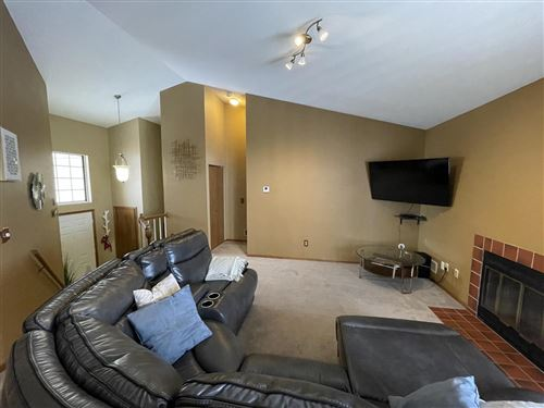 Photo of 3581 W Old Oaks Dr, Greenfield, WI 53221 (MLS # 1725747)