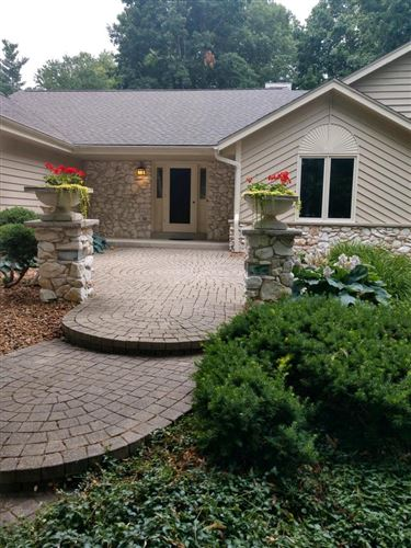 Photo of 8485 S 44th St, Franklin, WI 53132 (MLS # 1751754)