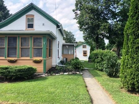 Photo of 614 W Cady St, Watertown, WI 53094 (MLS # 1647756)