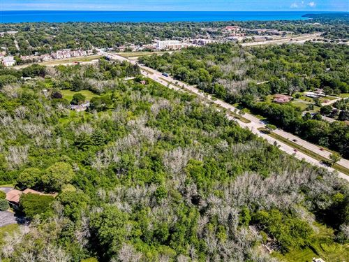 Photo of 1050 W Good Hope Rd, River Hills, WI 53217 (MLS # 1674759)
