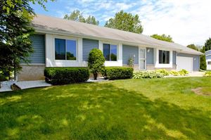 Photo of 112 Holly Ln, South Milwaukee, WI 53172 (MLS # 1644761)