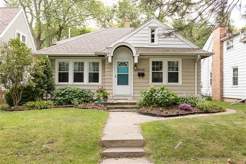 Photo of 4658 N Ironwood Ln, Glendale, WI 53209 (MLS # 1708762)