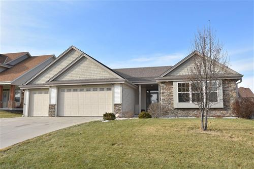 Photo of 6095 S 39th St, Greenfield, WI 53221 (MLS # 1672763)