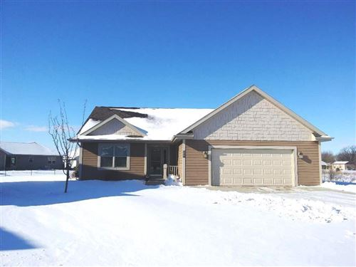 Photo of 424 S COUNTRY LANE, Fond Du Lac, WI 54935 (MLS # 50215764)
