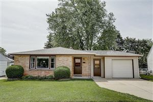 Photo of 809 Manistique Ave, South Milwaukee, WI 53172 (MLS # 1656766)