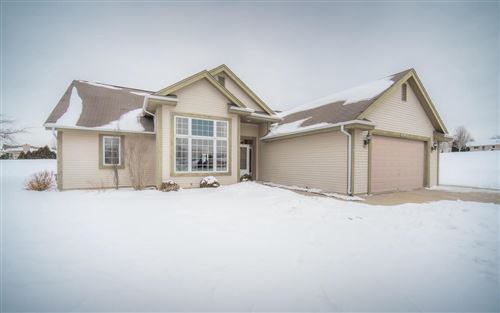 Photo of W208N16481 St Andrews Ct, Jackson, WI 53037 (MLS # 1726766)
