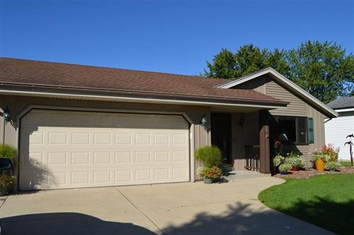 Photo of 10021 S Hillview Ave, Oak Creek, WI 53154 (MLS # 1718767)