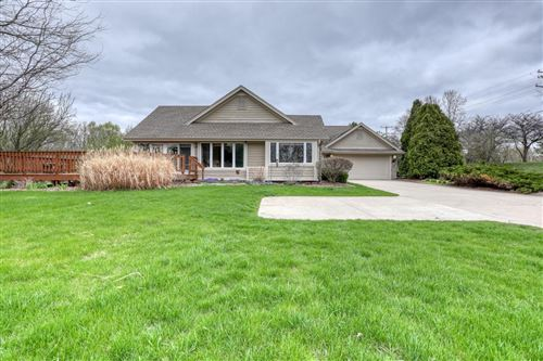 Photo of N19W22028 Fox View CT #3A, Waukesha, WI 53186 (MLS # 1735767)