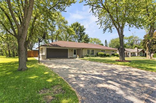 Photo of 2905 W Valanna Ct, Glendale, WI 53209 (MLS # 1693768)