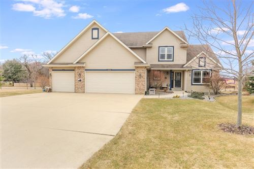 Photo of 2151 Deer Run Dr, Delavan, WI 53115 (MLS # 1682769)