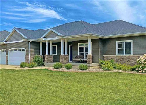 Photo of 801 Smithland Ln, Cottage Grove, WI 53527 (MLS # 1890769)