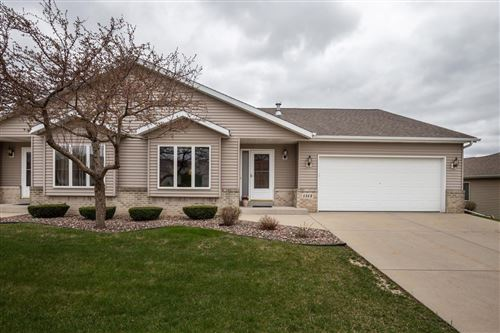 Photo of 1513 Bluebell Dr, Hartford, WI 53027 (MLS # 1735770)