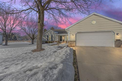 Photo of 1936 Cliff-Alex Ct N, Waukesha, WI 53189 (MLS # 1728772)