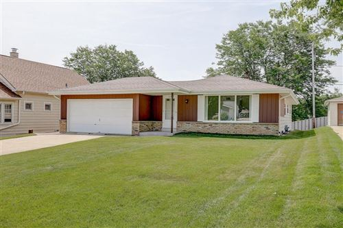 Photo of 1819 Marquette Ave, South Milwaukee, WI 53172 (MLS # 1696773)