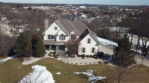 Photo of N49W25234 Seven Stones Dr, Pewaukee, WI 53072 (MLS # 1679777)