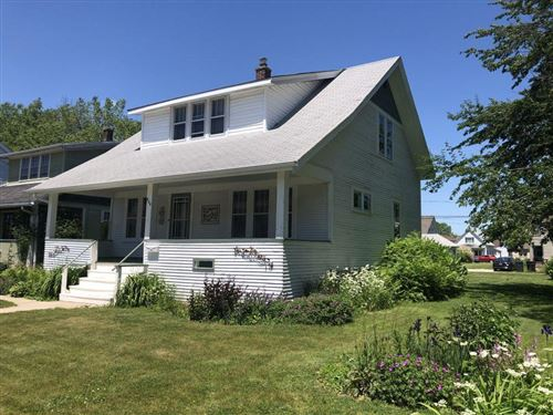 Photo of 606 Marquette Ave, South Milwaukee, WI 53172 (MLS # 1693777)