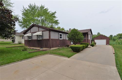 Photo of 6322 Kinzie Ave, Mount Pleasant, WI 53406 (MLS # 1752779)