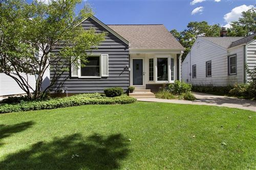 Photo of 4718 N Hollywood Ave, Whitefish Bay, WI 53211 (MLS # 1705781)