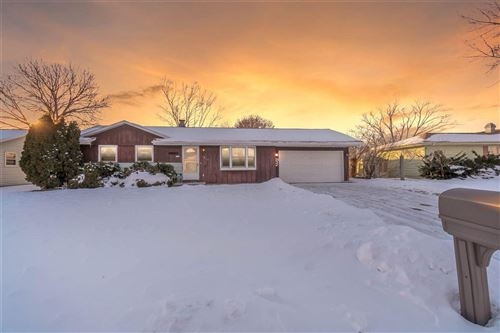 Photo of 1917 Cottonwood Dr, Janesville, WI 53545 (MLS # 1900781)