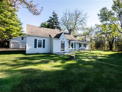 Photo of W299N2990 Maple Ave, Pewaukee, WI 53072 (MLS # 1716786)