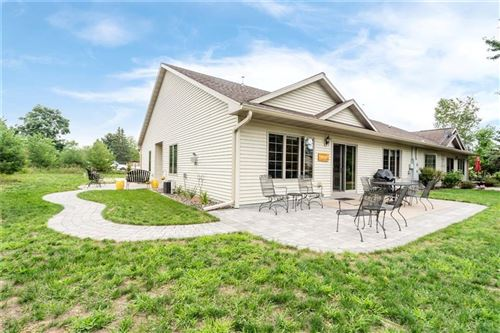 Photo of 860 MAIN ST, TWIN LAKES, WI 53181 (MLS # 1556791)