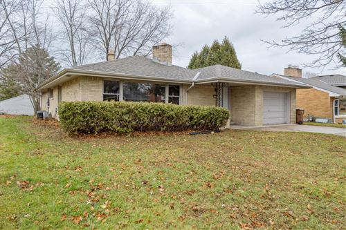 Photo of 103 Brookdale Dr, South Milwaukee, WI 53172 (MLS # 1720794)