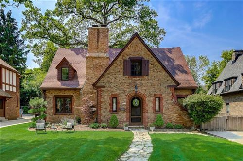 Photo of 4779 N Newhall St, Whitefish Bay, WI 53217 (MLS # 1753799)